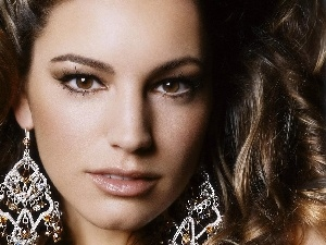 ear-ring, Kelly Brook