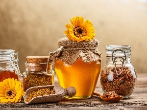 Propolis, gerberas, honey