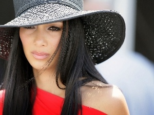Nicole Scherzinger, Hat, very sensible