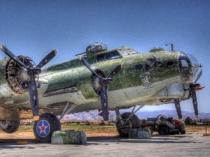 HDR, Propellers, Planes