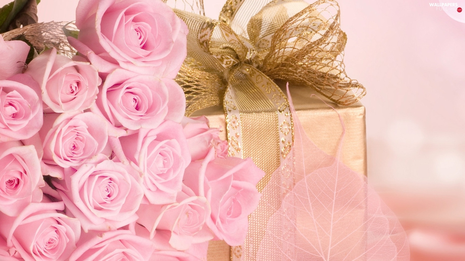 Golden automobile, Present, Pink, ribbon, roses