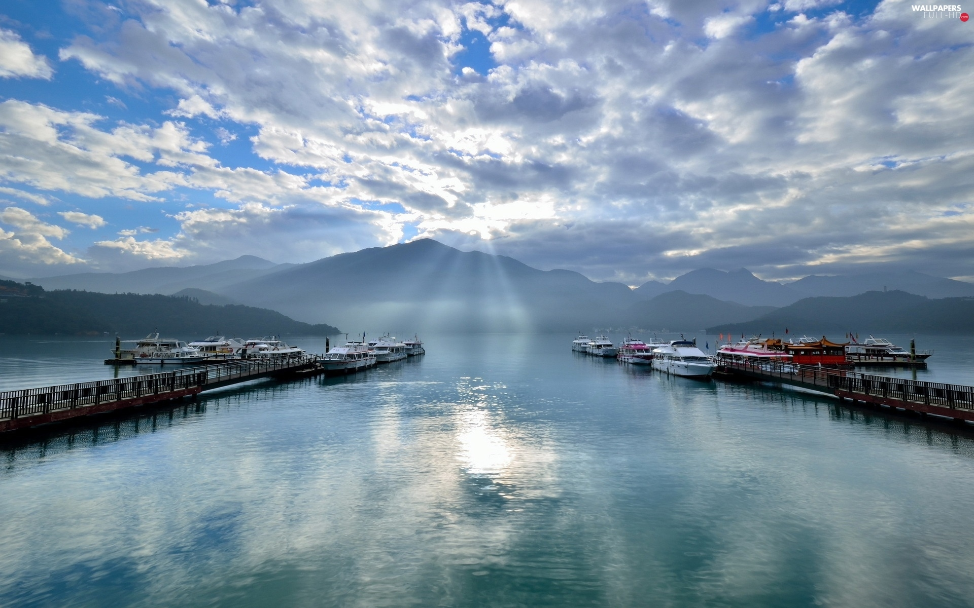 rays, lake, sun, Mountains, Harbour, Yachts, clouds, Boats