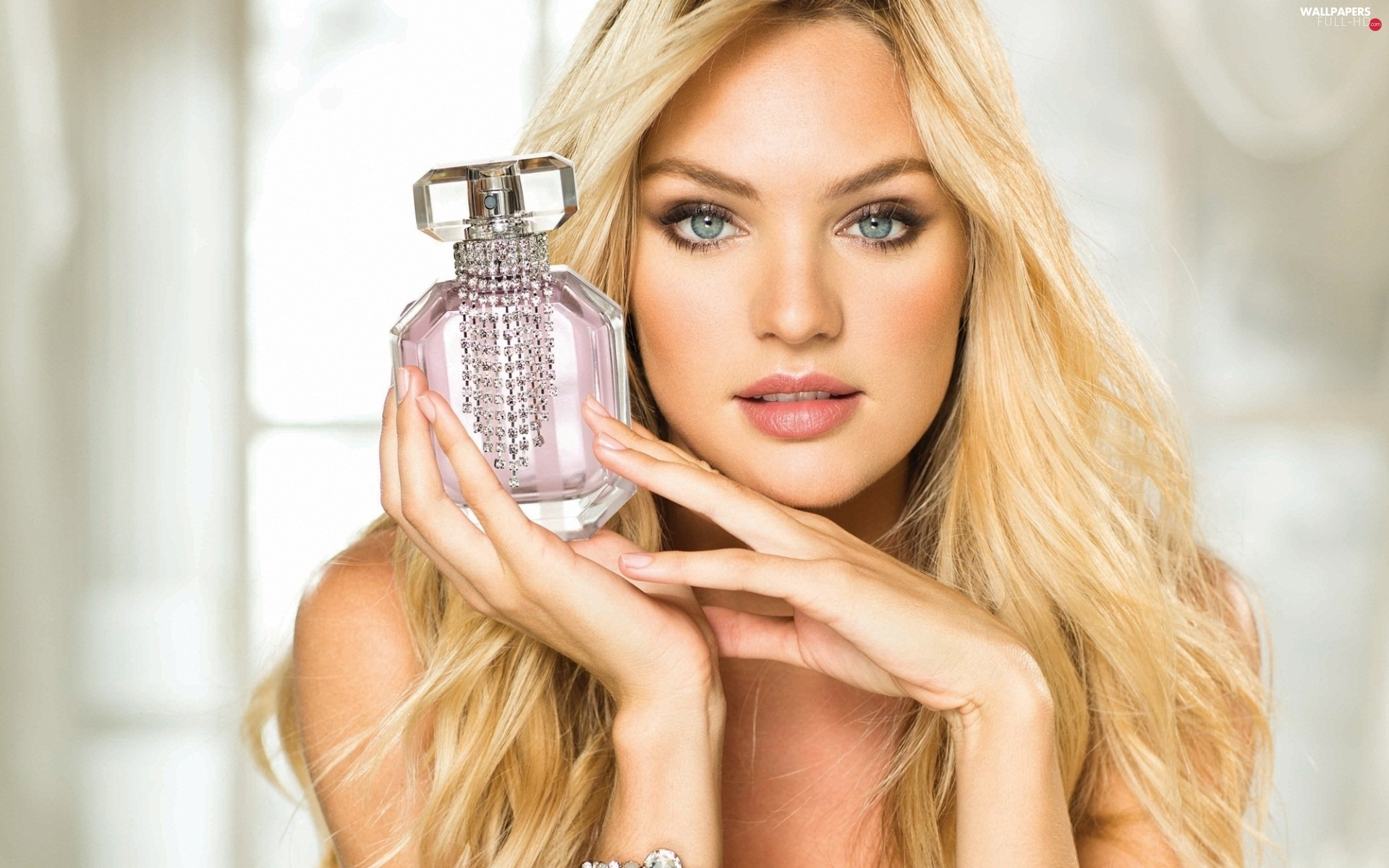 make-up, perfume, Blonde