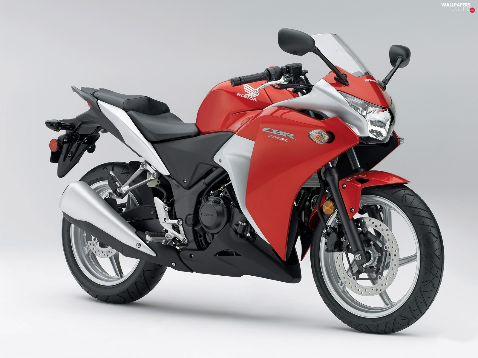 White, Honda CBR 250R, red